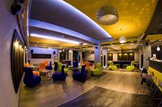 Kręgielnia w Hotelu Niepołomice Miękkie siedziska, fotele SITI. Realizacja:Abaco  #meble #openspace #play #sitag
