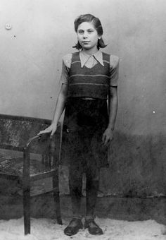 Postwar, A twin who was subjected to medical experiments in Auschwitz.