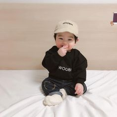 Image may contain 1 person baby trendy baby korean boy and girl baby Cute Asian Babies, Korean Babies, Asian Kids, Cute Babies, So Cute Baby, Cute Kids, The Babys, Couple Ulzzang, Ulzzang Kids