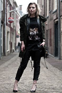 Outfit / Rawr by Rowan Reiding from Red Reiding Hood  www.redreidinghood.com  #ootd #outfit #wearing #fashion #inspiration #blogger #fashionblogger #leather #allblack #tappered #baggy #oversized #pants #trousers #boyfriend #pointy #toe #court #strappy #leopard #animal #print #tiger #rawr #parka