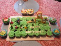 Angry Birds Cupcake Cake