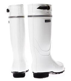 Nokia Kontio Classic: durable, rubber, fits my feet Gear Shop, Kinds Of Shoes, Rain Wear, Outdoor Gear, Rubber Rain Boots, High Heels, Women's Fashion, The Originals, Classic