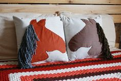 Horse cushions diy- I know a little girl who would loves these