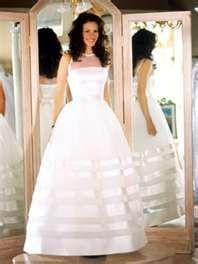 Julia Roberts, Runaway Bride, this is truly my dream dress. simple and elegant. Movie Wedding Dresses, Famous Wedding Dresses, Wedding Movies, Bridal Dresses, Wedding Gowns, Julia Roberts, Wedding Bells, Wedding Bride, Runaway Bride