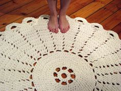 Virkattu Juhannusruusu matto - Crochet rug Midsummer Rose