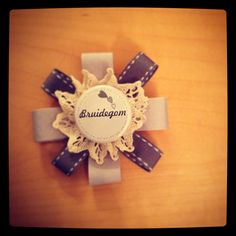 #lievlaptroues/ #lievlapweddings Brooches, Place Cards, Gift Wrapping, Place Card Holders, Events, Gifts, Ideas, Gift Wrapping Paper, Presents