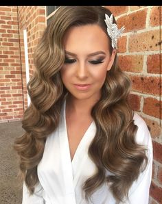 Our beautiful bride over the weekend hair by Makeup by at Wedding Hairstyles For Long Hair, Bride Hairstyles, Down Hairstyles, Vintage Wedding Hairstyles, Hollywood Hairstyles, Vintage Bridal Hair, Short Hair, Old Hollywood Hair, Hollywood Curls