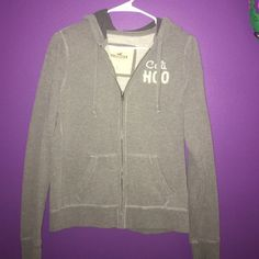 Hollister hoodie ☺️ Hollister hoodie ☺️ size large. Hollister Sweaters