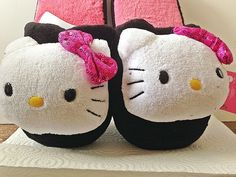 Hello Kitty Ladies Plush Slippers House Shoes Scuffs Black Sequins LARGE 9-10