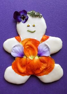 And on cookies! | Community Post: 11 Extreme But Elegant Edible Flower Foods