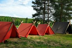 Viking camp | Flickr - Photo Sharing! Viking Bed, Viking Camp, Medieval, Dark Ages, Outdoor Cooking, Tent Camping, View Image, Outdoor Gear, Vikings