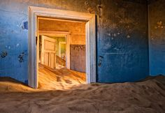 Kolmanskop was a small settlement in Namibia that saw a boom in the early 1900s when German settlers realized that the area was rich in diamonds.