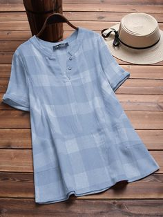 Vintage Plaid V-neck Short Sleeve Loose Shirts look not only special, but also they always show ladies' glamour perfectly and bring surprise. Loose Shirts, Casual T Shirts, Casual Tops, Cute Sporty Outfits, Kurta Designs Women, Blouse Designs, Sleeveless Denim Jackets, Vestidos Plus Size, Stylish Dress Designs