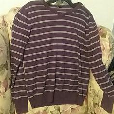 Purple mens sweater Comfy casual sweater no where perfect condishion GAP Sweaters V-Necks