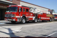 American LaFrance Eagle Aerial Los Angeles Fire Department Emergency Apparatus Fire Truck Photo