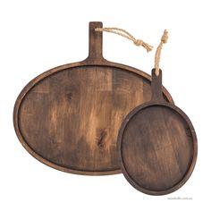 Чтобы элегантно и со вкусом подать к столу нарезанные продукты, такие как сыр, хлеб, колбаса, вам потребуется Доска Брюгге овальная, изготовленная из древесины ольхи. Оригинальные аксессуары для кухни и мебель для дома из натурального дерева.
