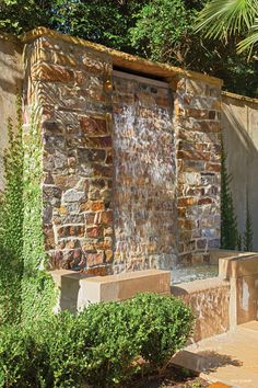 garden waterfall wall & garden waterfall ` garden waterfall diy ` garden waterfall ideas ` garden waterfall how to build ` garden waterfall modern ` garden waterfall wall ` garden waterfall pondless ` garden waterfall fountain Stone Water Features, Outdoor Water Features, Pool Water Features, Water Features In The Garden, Modern Water Feature, Backyard Water Feature, Ponds Backyard, Backyard Landscaping, Water Wall Fountain