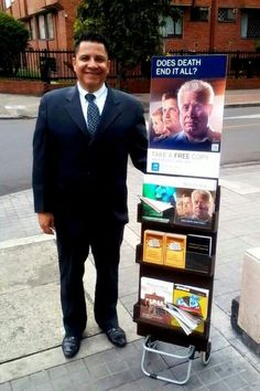 Publicly sharing the Good News from God's Word in Bogata Columbia -- See more at JW.org