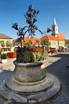 Well in the main square, Rust ( Hungarian: Ruszt ) on the Neusiedler See, Burgenland, Austria Salzburg, Pictures Images, Homeland, Hungary, Fountain, Maine, Cities, Places To Visit, Around The Worlds