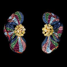 Jewellery Theatre. Flowers High Jewellery Earrings...♡