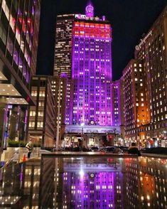 The Helmsley Building, or Park Avenue and 46th street, is low key One of the most beautiful light shows in the City.