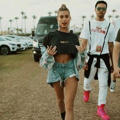 Hailey Baldwin Hailey Baldwin The post Hailey Baldwin appeared first on Kleidung ideen. Coachella Festival, Music Festival Outfits, Music Festival Fashion, Festival Wear, Coachella 2018, Coachella 2017 Fashion, Casual Festival Outfit, Concert Outfit Summer, Fashion Music