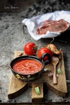Sos Barbecue detaliu - reteta Sun Food Romanian Food, Food Design, Vegan Vegetarian, Pesto, Barbecue, Bruschetta, Food And Drink, Low Carb, Cooking Recipes