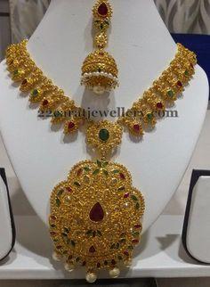 Jewellery Designs: Jugni Uncut Necklace with Jhumkas