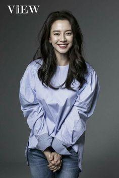 Ever wondered what Korean actress and Running Man star Song Ji Hyo is really like? Ji Suk Jin, Yoo Jae Suk, Jun Ji Hyun, Running Man Cast, Ji Hyo Running Man, A Frozen Flower, Liu Wen, Kim Woo Bin, Korean Actresses
