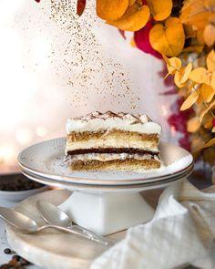 """••✶🧁𝒸𝑜𝑜𝓀𝒾𝓃𝑔 𝒾𝓈 𝒸𝒶𝓇𝒾𝓃𝑔 ✶•• on Instagram: """"〰️ T i r a m i s u 〰️ Impossible pour moi de boire un café, alors que j'adore son parfum et son goût dans les desserts ! Le tiramisu, pas…"""" Homemade Pastries, Vanilla Cake, Tiramisu, Cooking, Desserts, Instagram, Food, Fragrance, Kitchen"""
