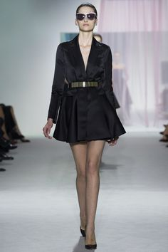 lovely yet simple! not sure I find this inspiration - however glad to see there is something we can wear everyday :-) #Dior