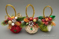 60 Marvelous DIY Christmas Decor Ideas - Her Crochet Diy Christmas Ornaments, Rustic Christmas, Christmas Projects, Christmas Time, Christmas Wreaths, Christmas Crafts, Homemade Ornaments, Jute Crafts, 242