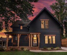 Best farmhouse exterior design ideas, exterior decor tips Modern Farmhouse Design, Urban Farmhouse, Modern Farmhouse Exterior, Farmhouse Plans, Farmhouse Homes, Farmhouse Decor, Rustic Homes, Farmhouse Front, Country Homes