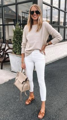 Casual White Jeans Outfit Summer, White Pants Outfit, Casual Outfits, Spring Summer Fashion, Autumn Winter Fashion, Spring Outfits, Mode Chic, Mode Style, Mode Outfits