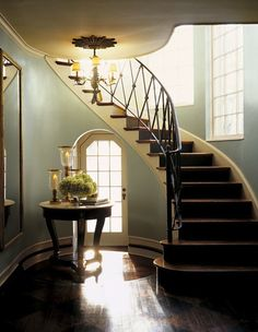 Ralph Lauren Paint in the glamorous Metallic finish