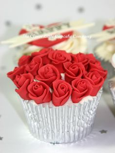 Mini Rose Bouquet Cupcake by The Clever Little Cupcake Company (Amanda), via Flickr