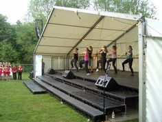 Awesomely energetic performance from Ripple Dance Academy  http://www.rippledanceacademy.co.uk/