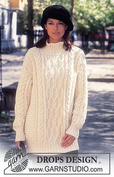 Pull DROPS en Karisma Superwash et Coton Viscose, version pull court ou pull long. Free Aran Knitting Patterns, Free Knitting, Aran Sweaters, Long Sweaters, Drops Design, Short Models, Outfits With Hats, Crochet Cardigan, Cardigans For Women