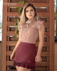 Estamos caprichando nas blusas. ♥️ #blusafofa #estiloromantico #roupadeboneca #nude #amamosdetalhes #novacoleção #cheirodelavandapankage #ootd #modaparameninas Fashion Mode, Couture Fashion, Fashion Outfits, Mini Skirt Dress, Sexy Skirt, Sexy Dresses, Beautiful Dresses, Girls Dresses, Skirt Outfits