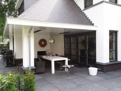 STUDIO = architectuur | Woning te Veenendaal - moderne herenhuis - landelijk wonen Deze woning is door Dennis Kemper ontworpen in de tijd dat hij bij EVE-architecten werkte.