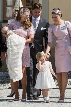 to R Princess Leonore Princess Madeleine of Sweden Princess Estelle... News Photo 450272846