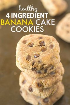 Healthy 4 Ingredient Banana Cake Cookies- Delicious, quick and easy cookies which need just four ingredients- Paleo, gluten-free, vegan and grain-free! Paleo Dessert, Gluten Free Desserts, Healthy Desserts, Dessert Recipes, Paleo Treats, Easy Desserts, Yummy Cookies, Cake Cookies, Cookies Vegan
