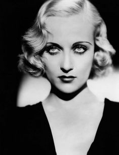 Hairstyles For Round Faces Carole Lombard.Hairstyles For Round Faces Carole Lombard 1930s Makeup, Vintage Makeup, Vintage Beauty, 1920s Makeup Gatsby, Flapper Makeup, Carole Lombard, Classic Hollywood, Old Hollywood, Maquillage Goth