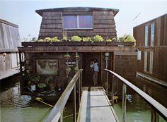 ღღ Houseboat