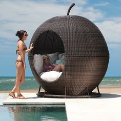 iDay bed! Me want