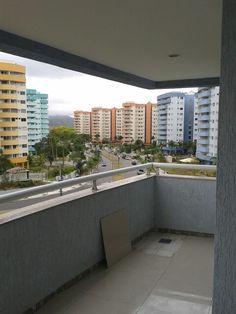 Colocação de porcelanato em apartamento no condomínio Buenos Aires