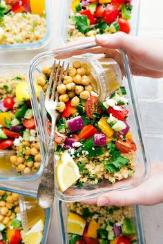 Healthy Recipes You Can Meal Prep This Week A delicious and healthy Greek couscous salad that everyone will go crazy for! (Meal prep options and tips included) via Vegan Meal Prep, Meal Prep Bowls, Meal Prep Salads, Daily Meal Prep, Lunch Meals, Best Meal Prep, Meal Prep Guide, Make Ahead Meals, Easy Meals