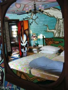 Brick walls decorating with graffiti in cool bedroom wall for Crazy bedroom wall designs