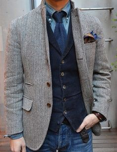 this look. denim shirt, velvet waistcoat and tweed jacket Fashion Mode, Look Fashion, Mens Fashion, Fashion Menswear, Fashion Basics, Smart Menswear, Fashion Boots, Fashion Ideas, Winter Fashion