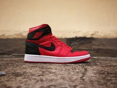443ef1247d50 Air Jordan 1 Mid Reverse Banned Team Red Black-White For Sale